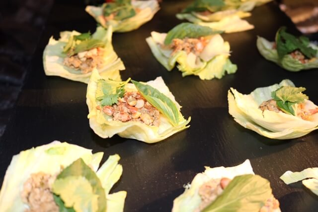 hors d'oeuvres full-service catering